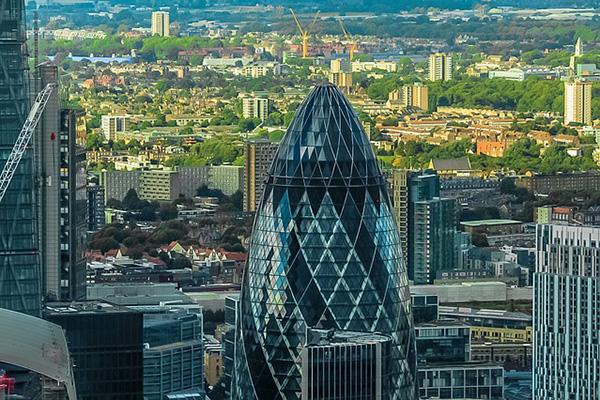 "The Gherkin"" financial building centred in London's skyline"