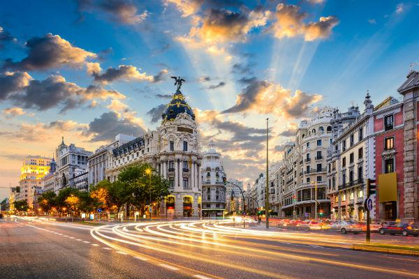 Madrid not only looks beautiful, but it's full incredible things to do and experience.