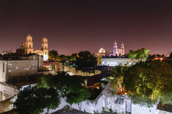 For a glimpse into Mexico's Spanish colonial past, pick up a car hire in Merida and explore.