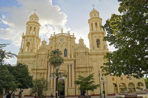 Front view of the Cathedral of the Assumption of Hermosillo, located in front of Plaza Zaragoza