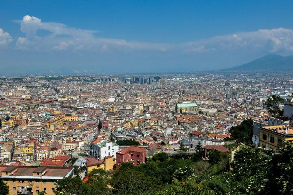 Lovers of Italian cuisine should visit Naples at least once in their lifetime.