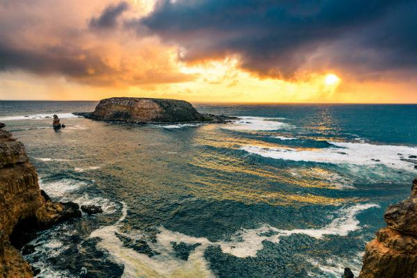 While you're in the Port Lincoln area, you may want to head out to Lincoln National Park to immerse yourself in stunning scenery.