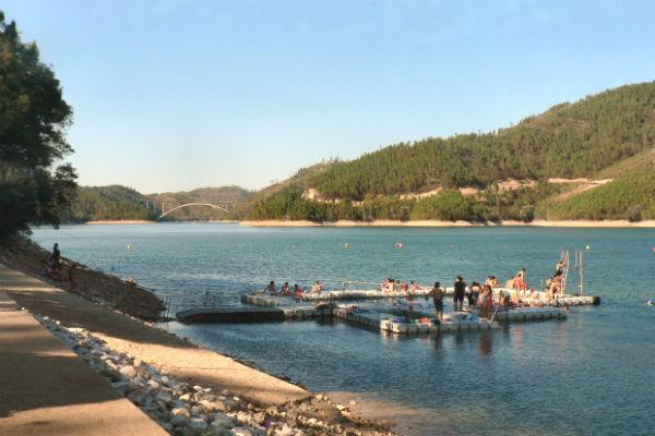 Ferreira do Zêzere is a wonderful place to enjoy the combination of sun and water.