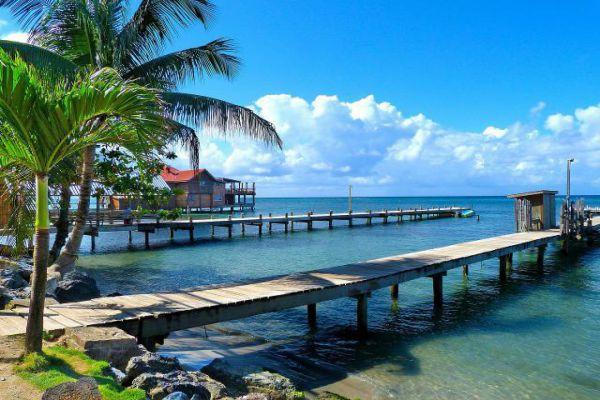 Roatán is one of Honduras's Caribbean Bay Islands.