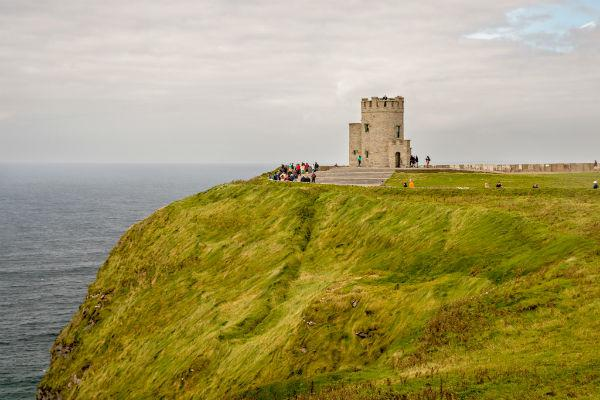 There are all kinds of amazing places you can discover in County Clare with a car hire from Shannon.