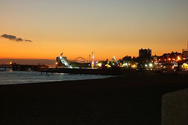 Sunset in Southend On Sea, view on the Adventure Island