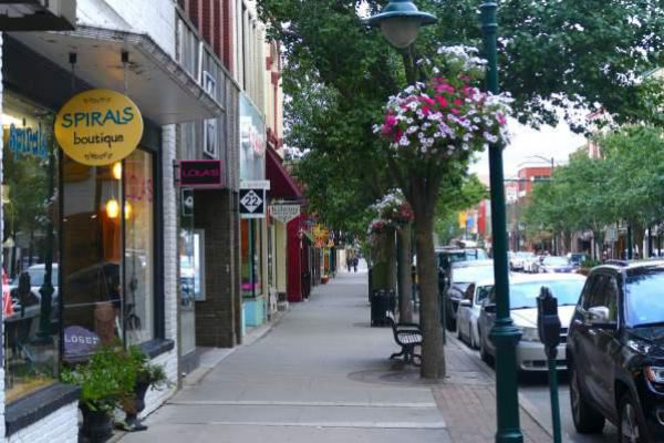 Lovely shopping street in Traverse City.